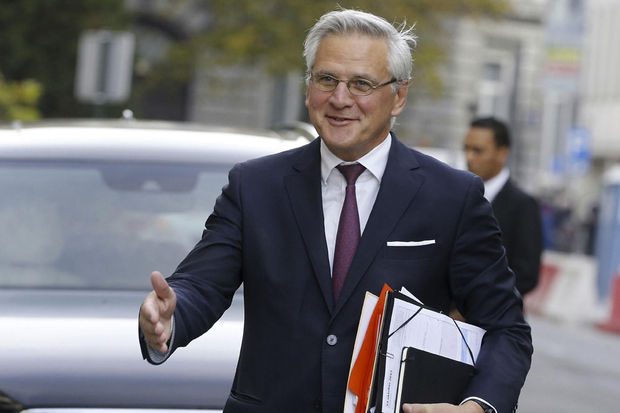 "Kris Peeters a l'intention de ""moderniser"" la protection de la rémunération"