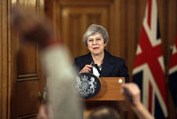 Brexit: quelles options s'offrent à Theresa May et au Royaume-Uni?