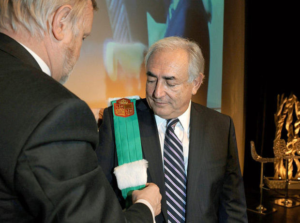 Strauss-Kahn docteur honoris causa de l'Université de Liège