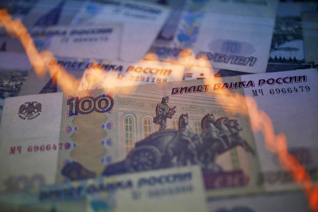 Le rouble reprend sa chute inexorable