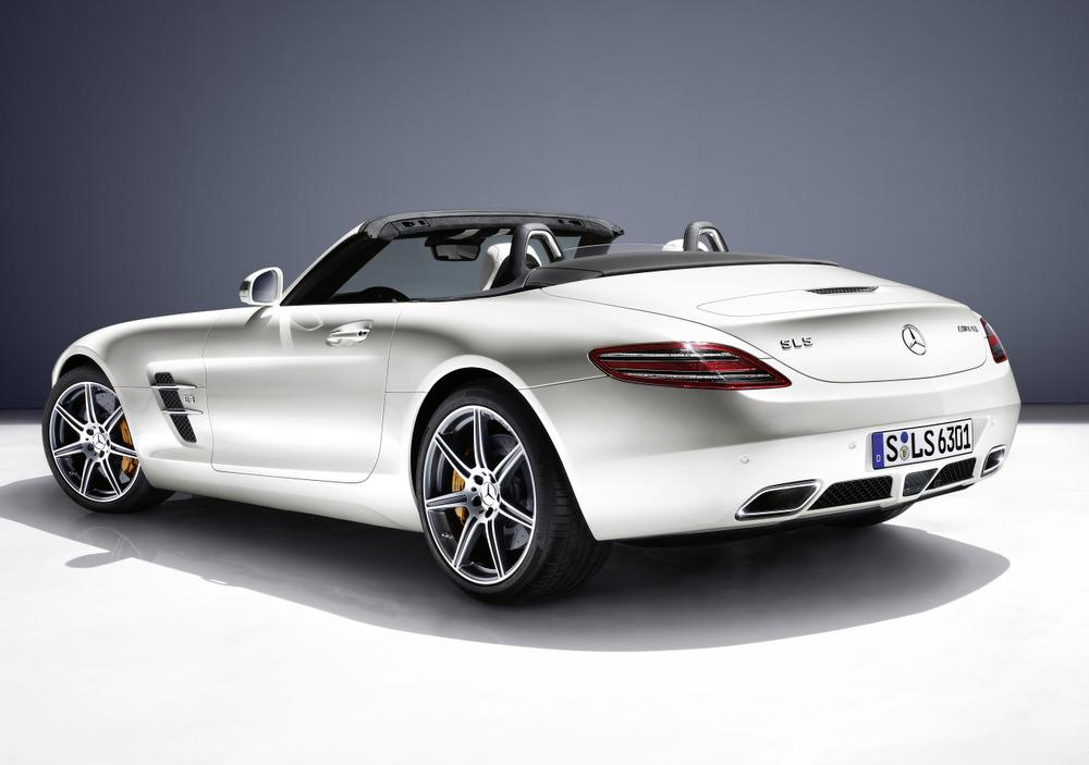 La Mercedes-Benz SLS Roadster.